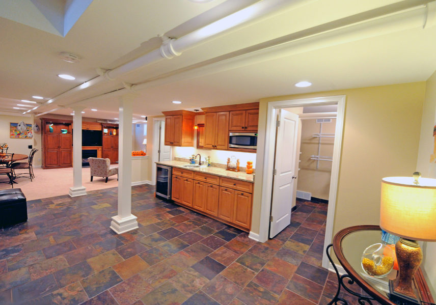 chatfield_drive_basement_with_bath_laundry_1
