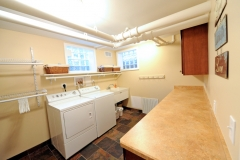 chatfield_drive_basement_with_bath_laundry_4